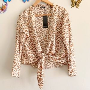 New Nasty Gal Animal Print Size 4 Front Tie Blouse